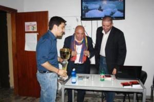 Francesco Egido riceve la coppa dell'Amicizia